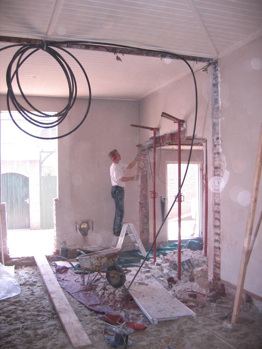 De verbouwing van de sacristie die onze keuken wordt 2008