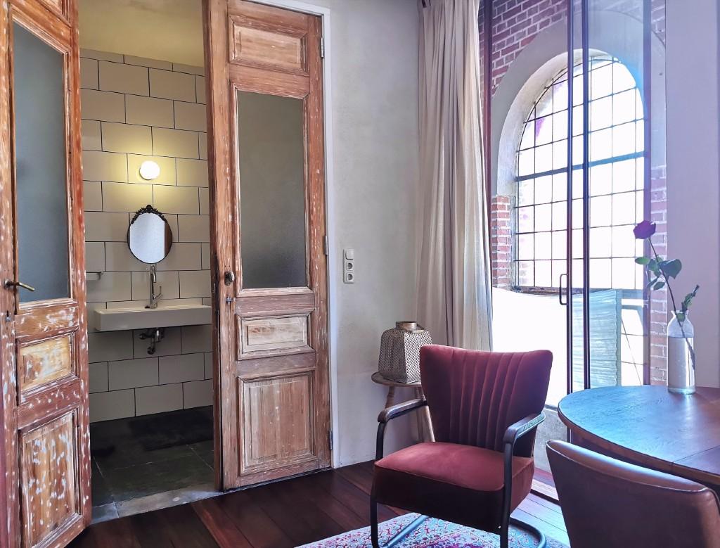 kamer 8 badkamer
