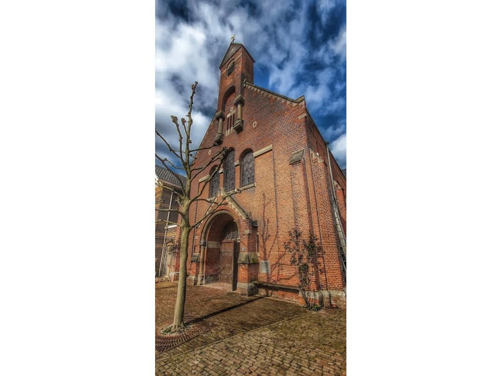 kerk voorkant oost